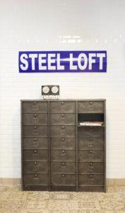Meuble Strafor des années 40 casiers à clapets vaisselier chaussures