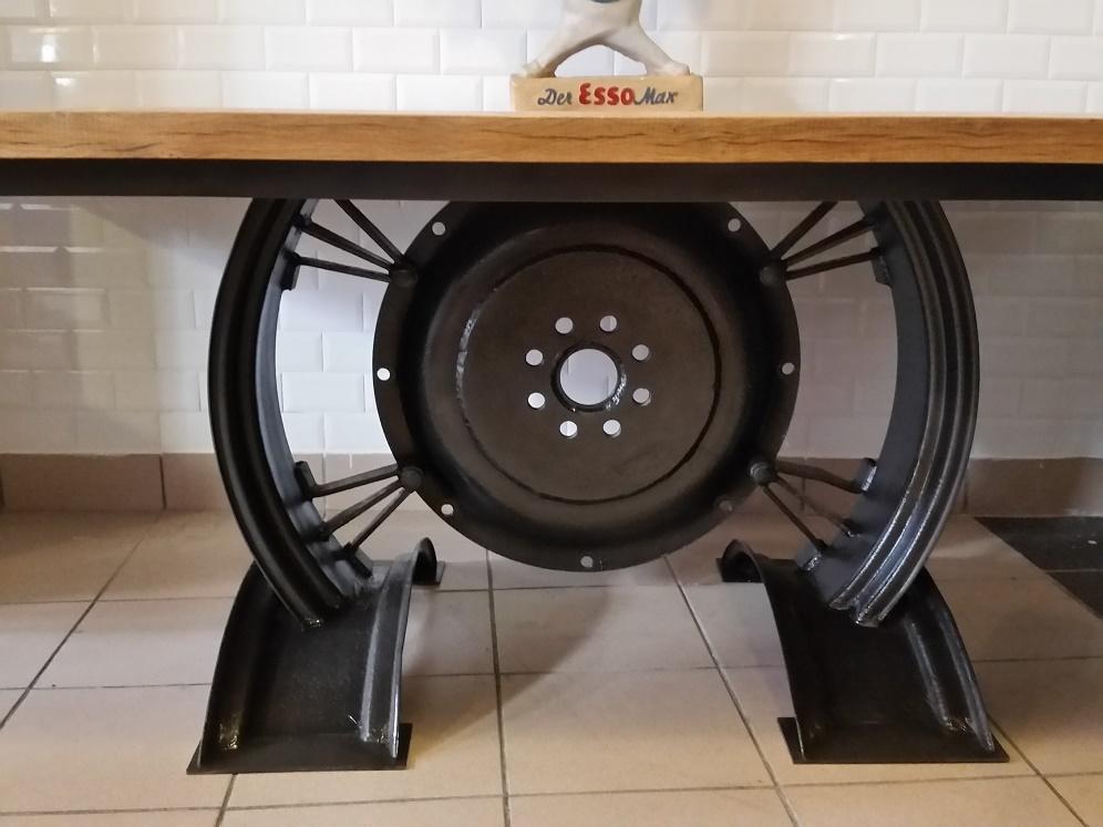 Table industrielle création Steel Loft Paris