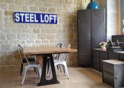 table industrielle pied fonte et plateau chêne