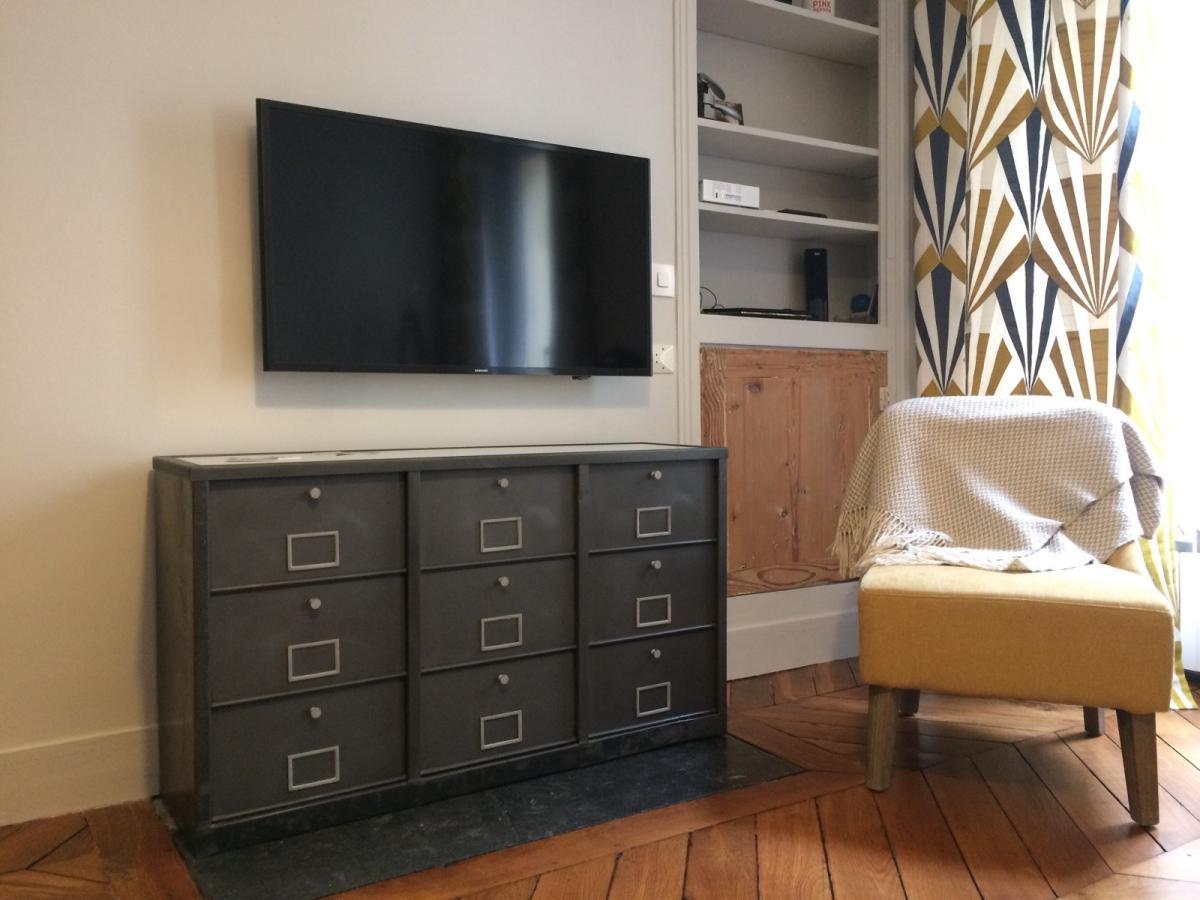 meuble industriel tele tv chaussure usine atelier steel loft paris steel loft paris. Black Bedroom Furniture Sets. Home Design Ideas
